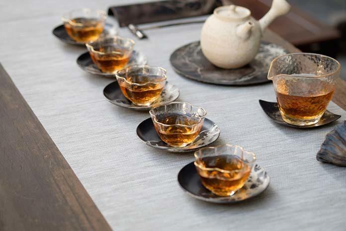 Czy warto pić herbaty smakowe? Odpowiadamy!